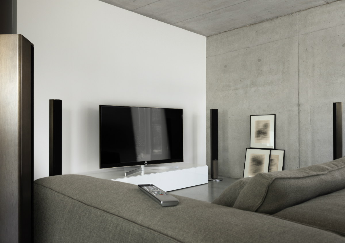 Design 360 Loewe Reference 75 UHD controlsound