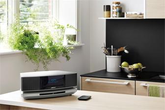 Ecouter votre modèle argent platine Wave Music System SoundTouch IV dans votre cuisine