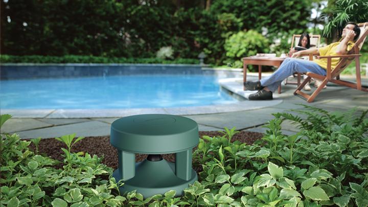 Ecouter votre musique dans votre piscine grâce au enceintes d'extérieur Free Space 51 ControlSound